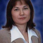"""Яруллина Гульшат Минасхатовна, классный руководитель 11 """"а"""" класса"""